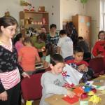 """""""Confecţionăm decoraţiuni de Paşti - cl. a II-a . Activitate în parteneriat cu Şcoala Gen. nr. 9."""